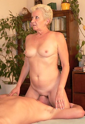 Free Mature Facesitting Porn Pictures