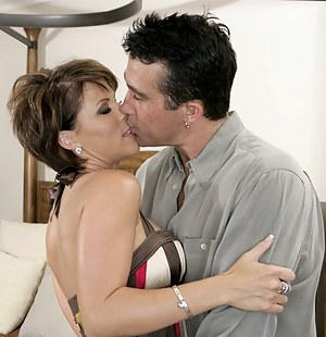 Free Mature Kissing Porn Pictures