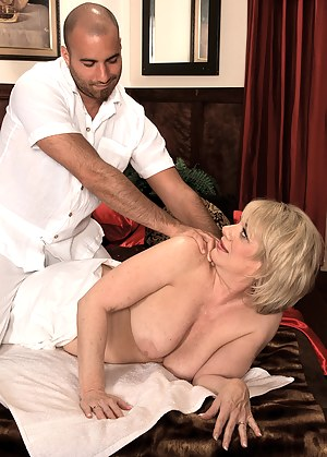 Free Mature Massage Porn Pictures
