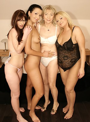 Free Mature Lesbian Humping Porn Pictures