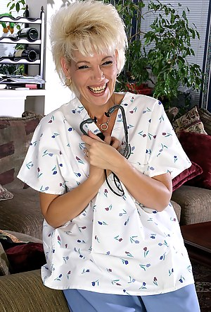 Free Mature Doctor Porn Pictures