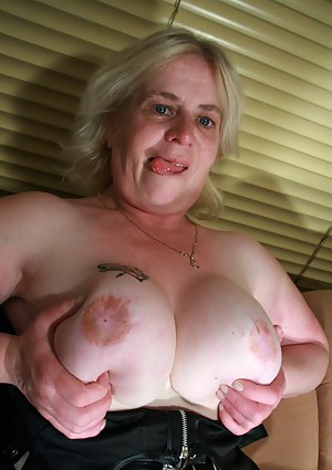 Free Mature Tattoo Porn Pictures