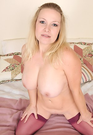 Free Mature Natural Tits Porn Pictures
