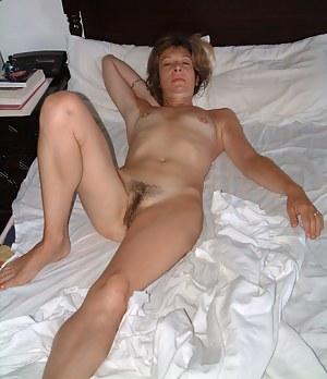 Free Mature Beaver Porn Pictures