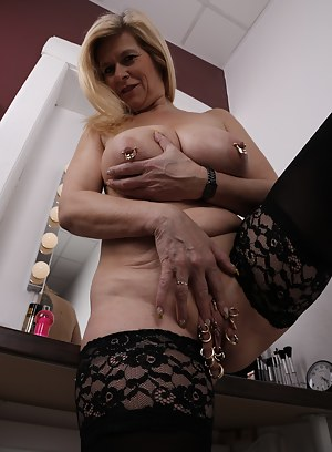 Free Mature Bizarre Porn Pictures