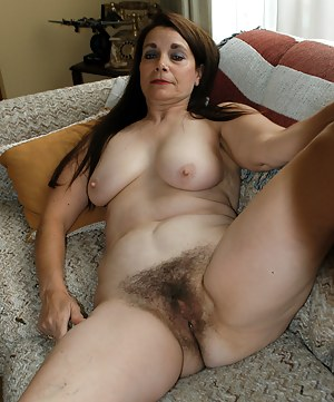 Free Mature Hairy Pussy Porn Pictures