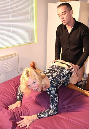 Free Mature Clothed Sex Porn Pictures