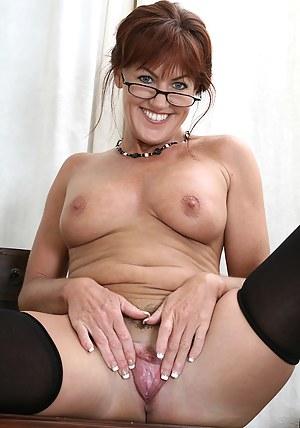 Free Mature Glasses Porn Pictures