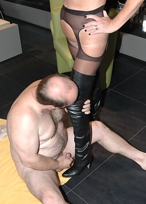 Free Mature Femdom Porn Pictures