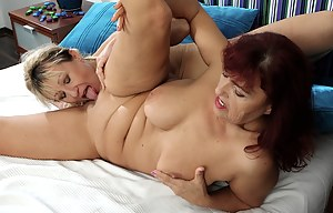 Free Mature Lesbian Porn Pictures