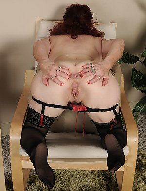 Free Mature Spread Ass Porn Pictures